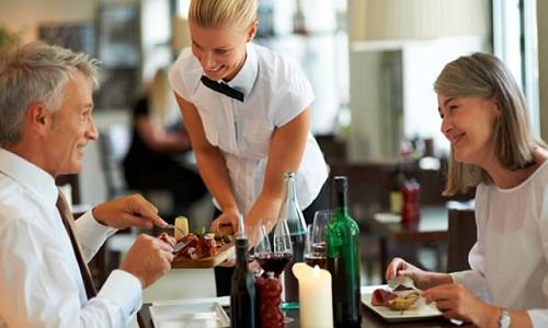 Cách chọn món tại nhà hàng khi bị dị ứng