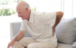 Người cao tuổi có nên tiếp tục bổ sung canxi để phòng bệnh loãng xương?