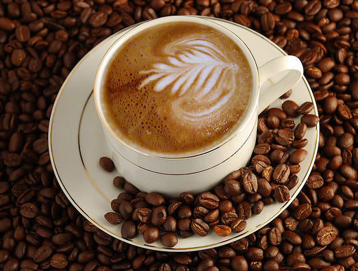 cà phê espresso chứa nhiều caffein hơn
