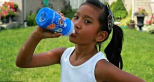 Làm thế nào để trẻ uống nhiều nước hơn