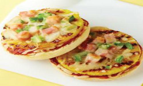Bánh pizza làm từ bánh muffin của Anh