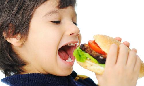 Trẻ chỉ thích thức ăn nhanh