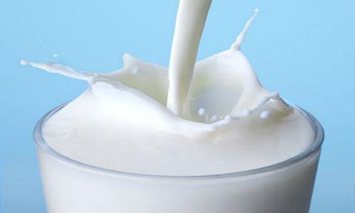 sữa và dậy thì sớm